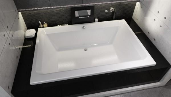 Акриловая ванна фирмы Riho