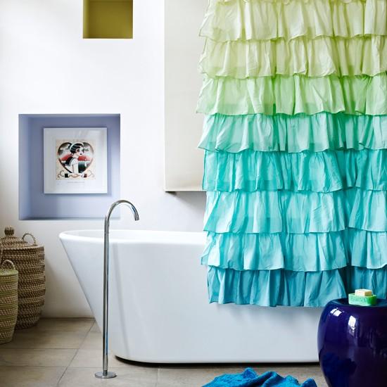 Оригинальная шторка в ванную комнату