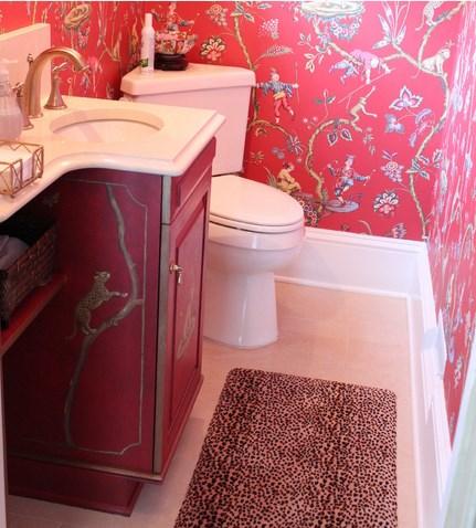душевая кабина в маленькой ванной комнате - №3 фото