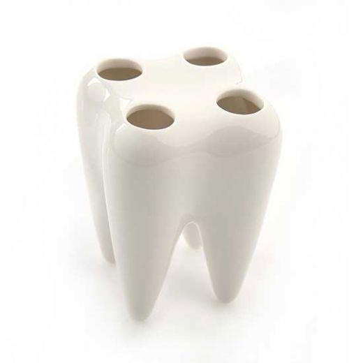 Подставка для зубной щетки в виде зуба